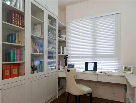 小书房装修效果图 巧妙的装修小书房