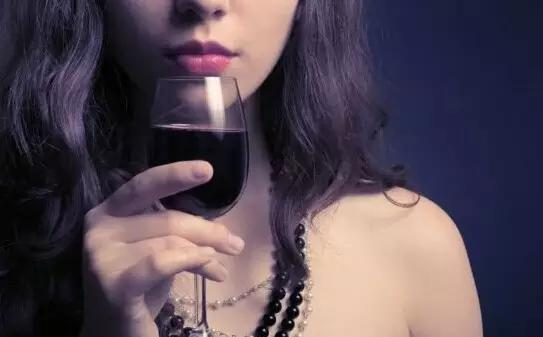 调查 大家对于女人抽烟喝酒是怎么看待的