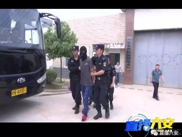 龙河路民警勇斗毒贩,这不是演习……