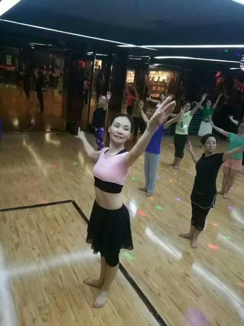 形体芭蕾、有氧舞蹈 老师:陈晓燕