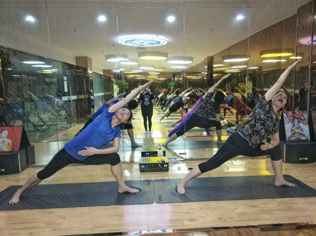 瑜伽体式提升课