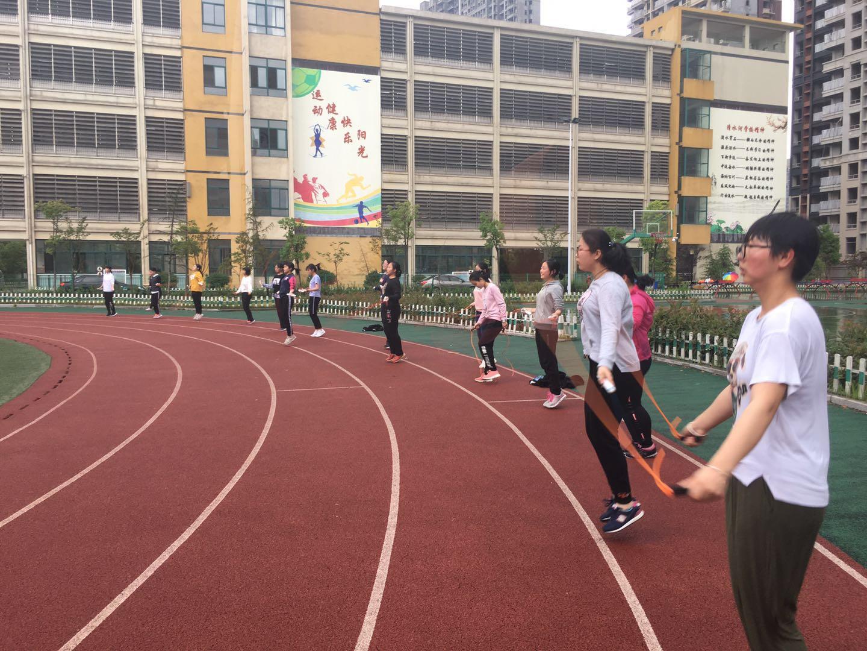 学员跳绳练习.jpg