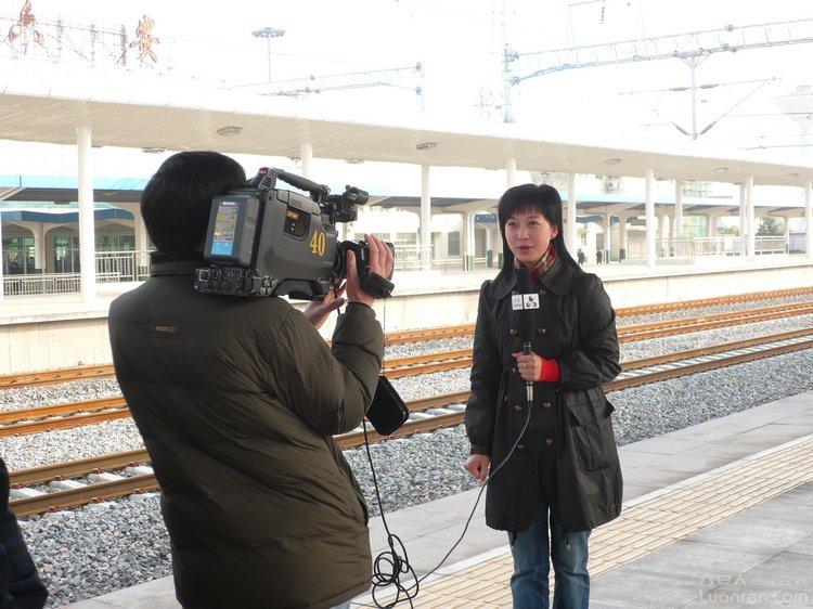 合武高速铁路开通电视台现场报道.JPG
